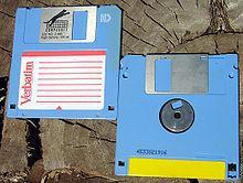 220px-Floppy_disc.jpg.407329eaef3674b27f283ce078a01e9d.jpg